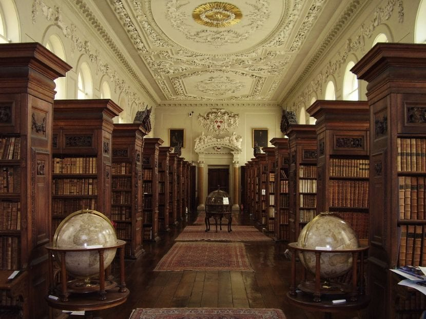Queen's College Oxford Library